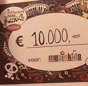 A Different Note Festival – De totaal cheque voor Muziekids 10.000 euro ! profieltje
