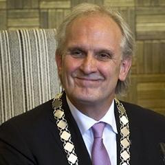 Burgemeester-Broertjes-sml