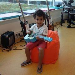 muziekids-studio-jayden-guitarboy